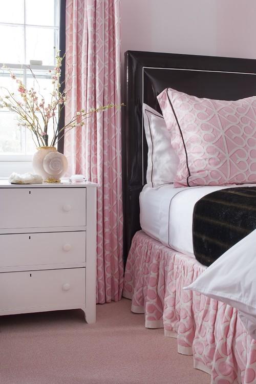 pink-and-black-bedroom.jpg
