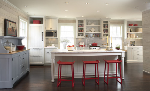 kitchen-with-red-barstools