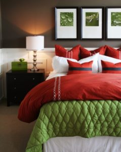 red-and-green-bedroom.jpg